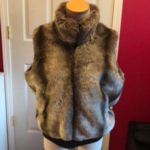Beautiful coldwater creek faux fur vest sz 14